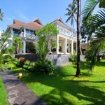 Villa-Gajah-Putih
