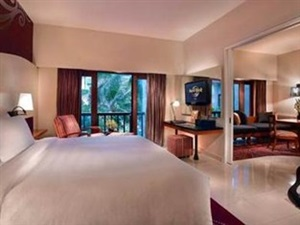Hard-Rock-Hotel-Kamar-Deluxe-Suite