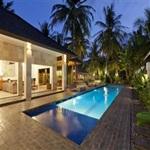 Villa-Tenang