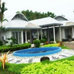 Bungalow Padang Golf Modern